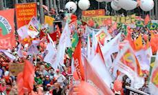 Pela defesa da democracia 60 mil pessoas se reunem na Praça da Sé