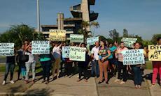 Pais protestam contra redução de horário em CEIs