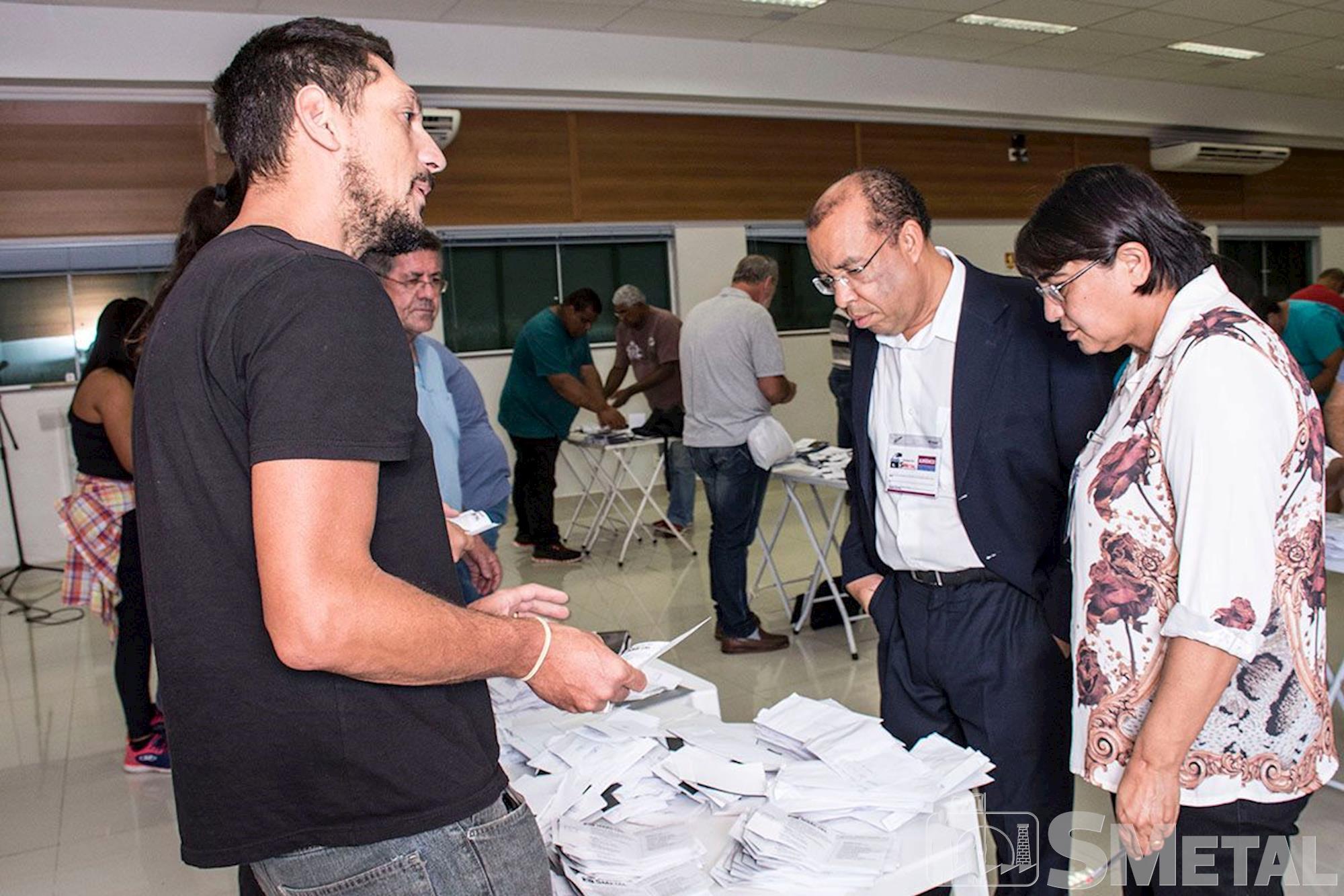 Apuração dos votos do segundo turno da eleição do SMetal Sorocaba, eleição, chapa, apuração, voto, , Foguinho/Imprensa SMetal