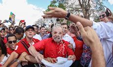 Lula foi aclamado por 50 mil na inauguração popular da transposição