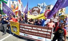 Centrais sindicais protestam contra reformas de Temer no centro de Sorocaba
