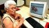 Sindicato inclui 180 idosos no mundo virtual