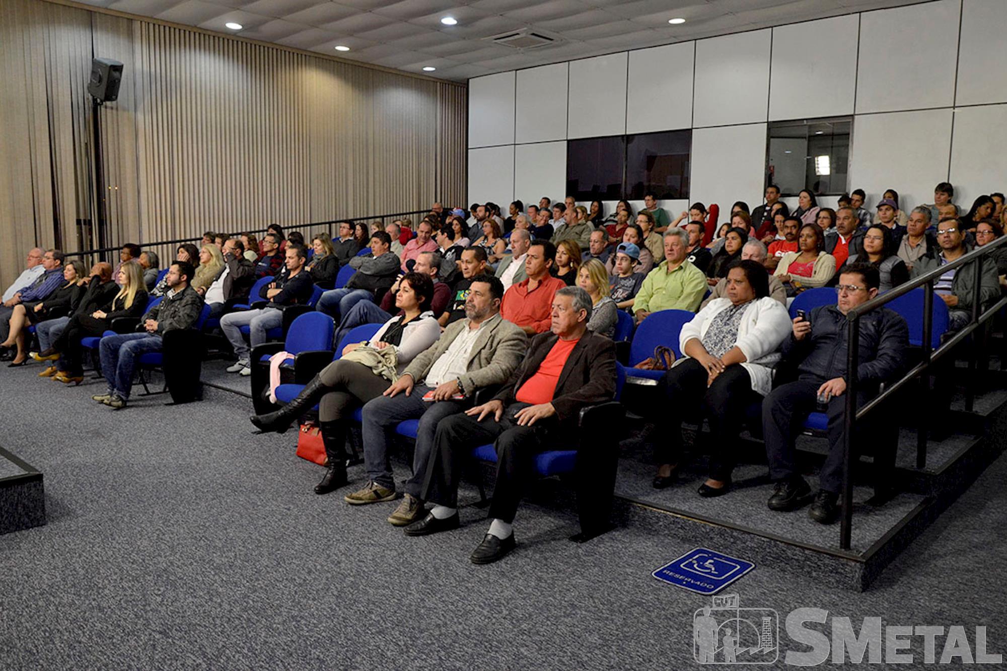 Solenidade que comemorou 30 anos da CUT reuniu cerca de 200 pessoas em Sorocaba, Sessão Solene na Câmara de Sorocaba comemora 30 anos de CUT