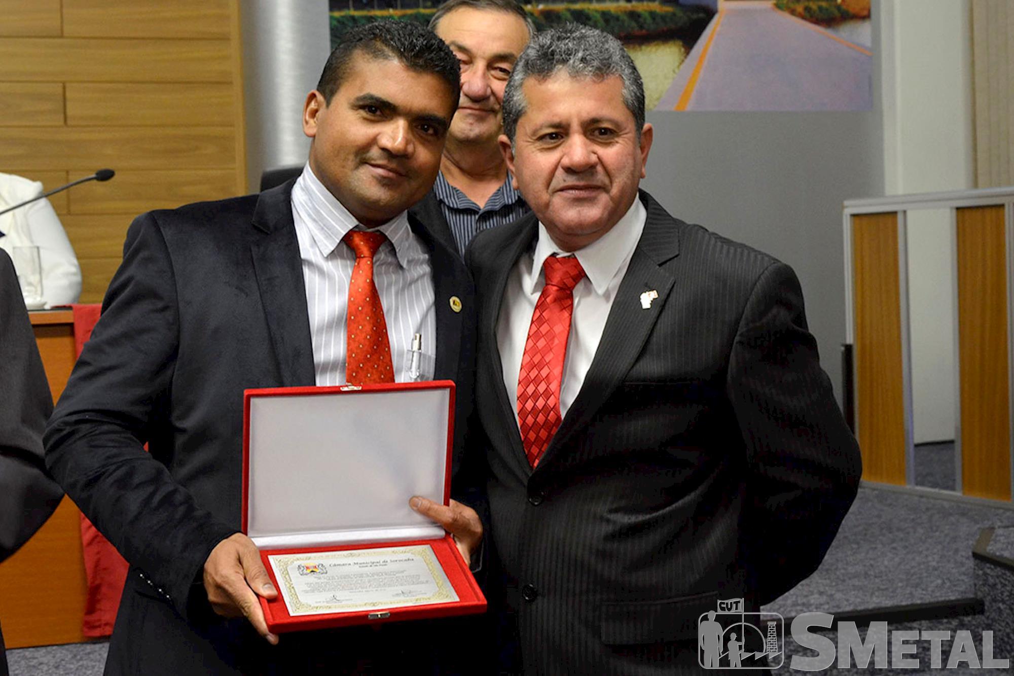 O sindicalista Adailton dos Santos também foi homenageado por Izídio, Sessão Solene na Câmara de Sorocaba comemora 30 anos de CUT