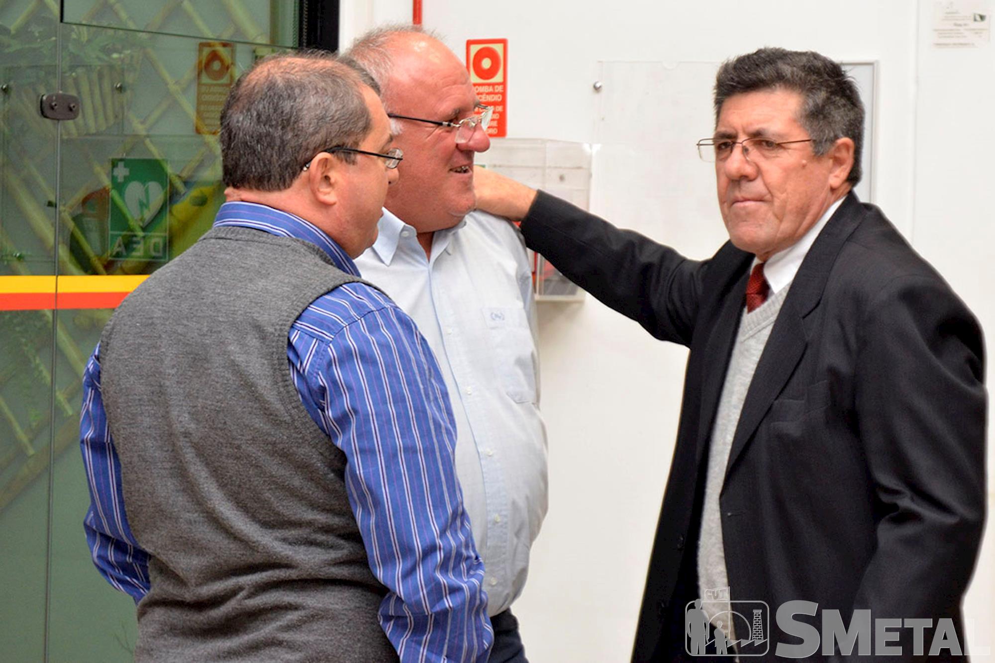 O deputado Hamilton conversa com ex-dirigentes sindicais, Sessão Solene na Câmara de Sorocaba comemora 30 anos de CUT