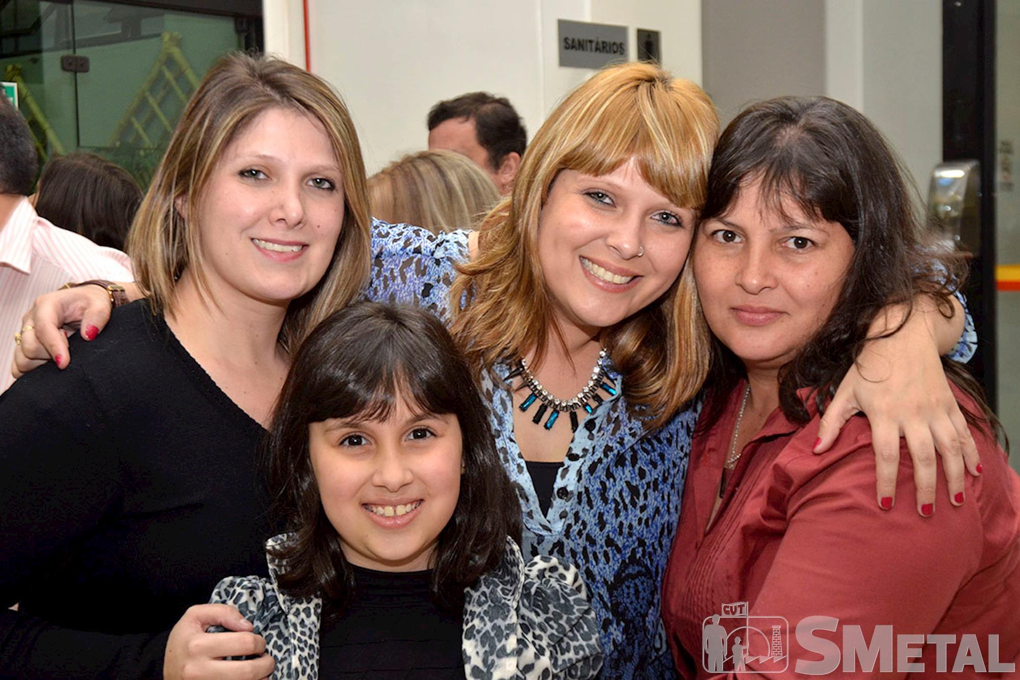 As irmãs Daniela e Carol Gáspari com Dora e sua filha, Sessão Solene na Câmara de Sorocaba comemora 30 anos de CUT