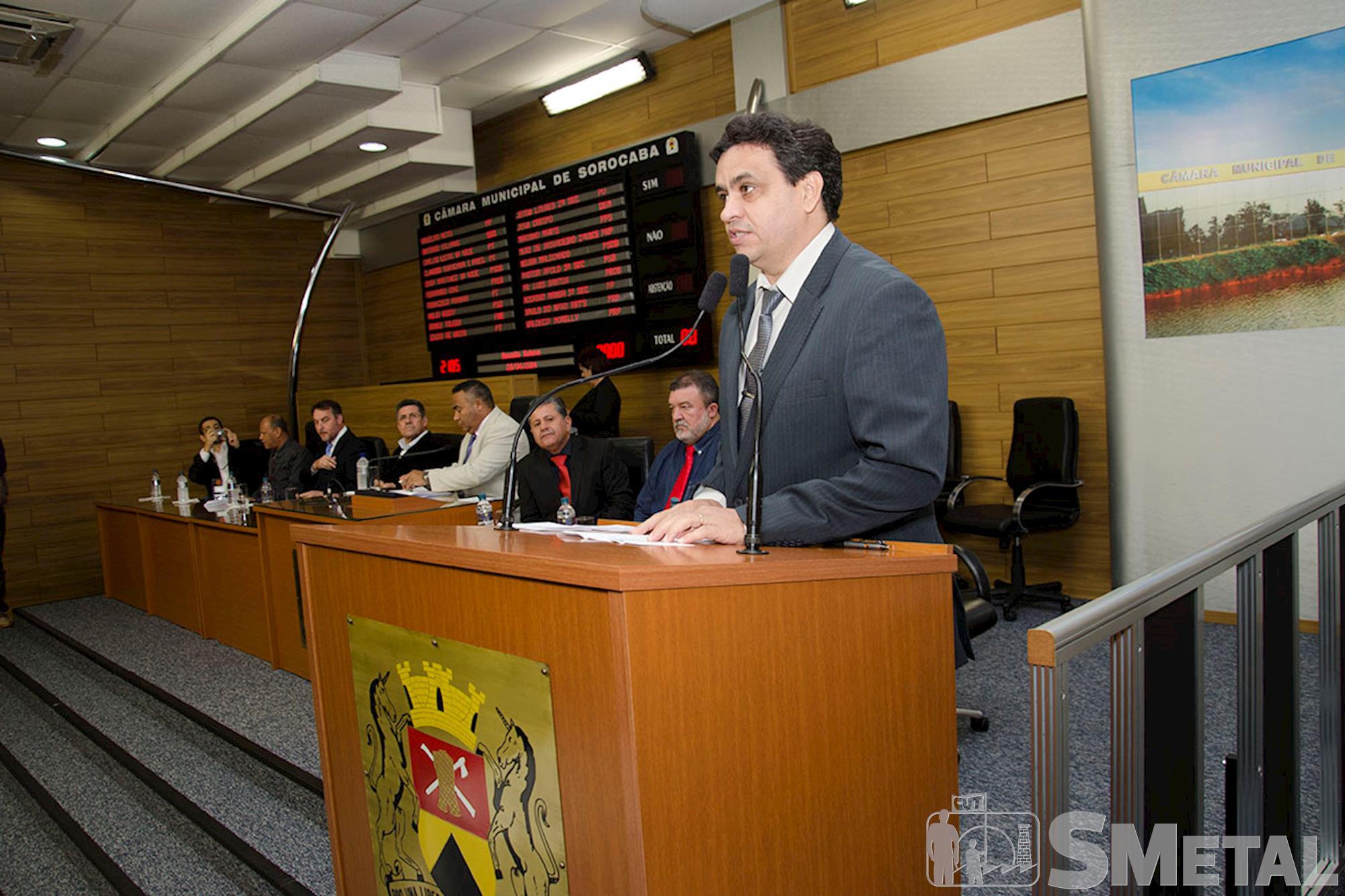 Sessão solene presta homenagem aos 60 anos do Sindicato