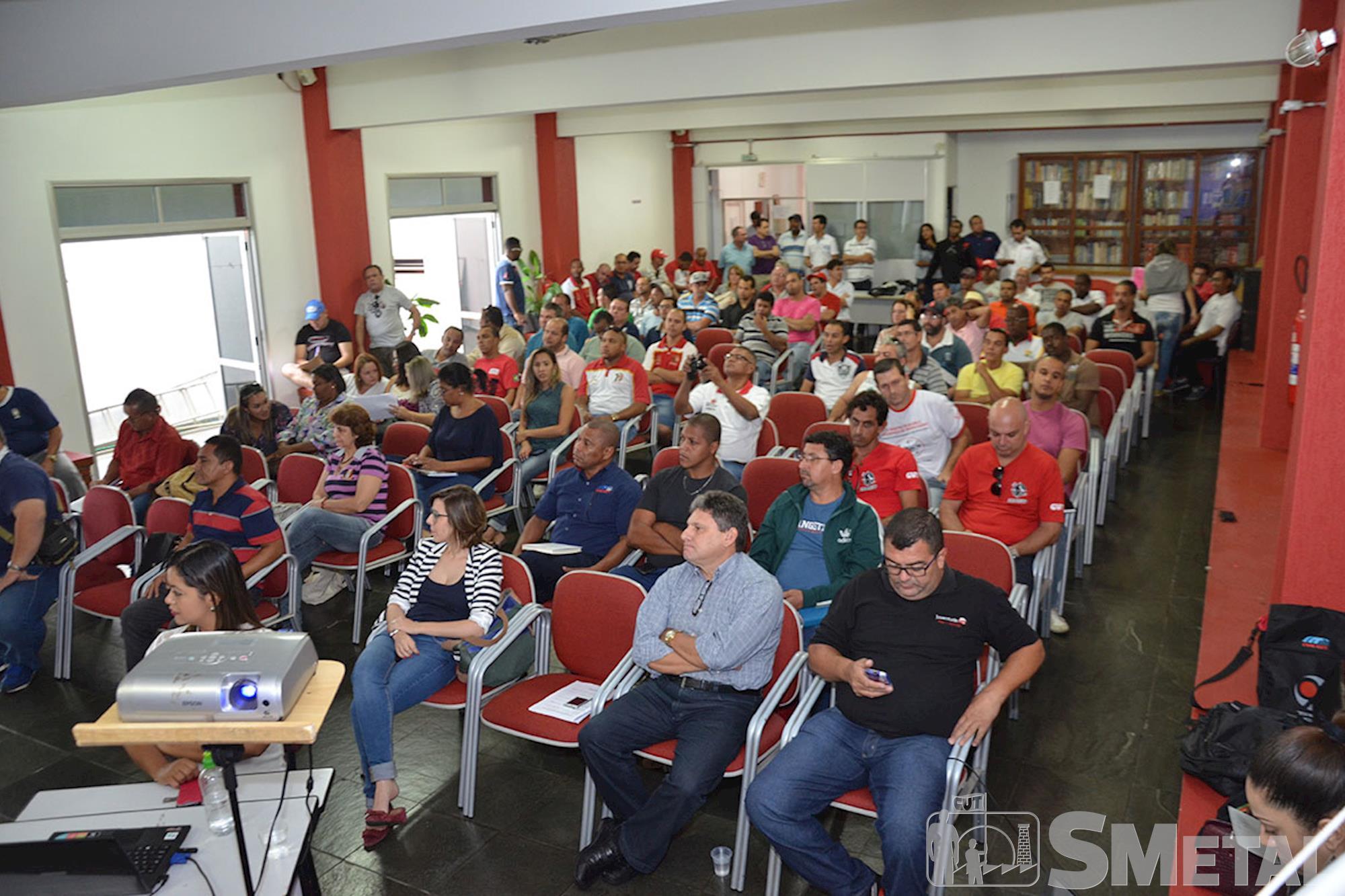 Plenária em Itu aborda como serão as negociações da campanha salarial de 2015