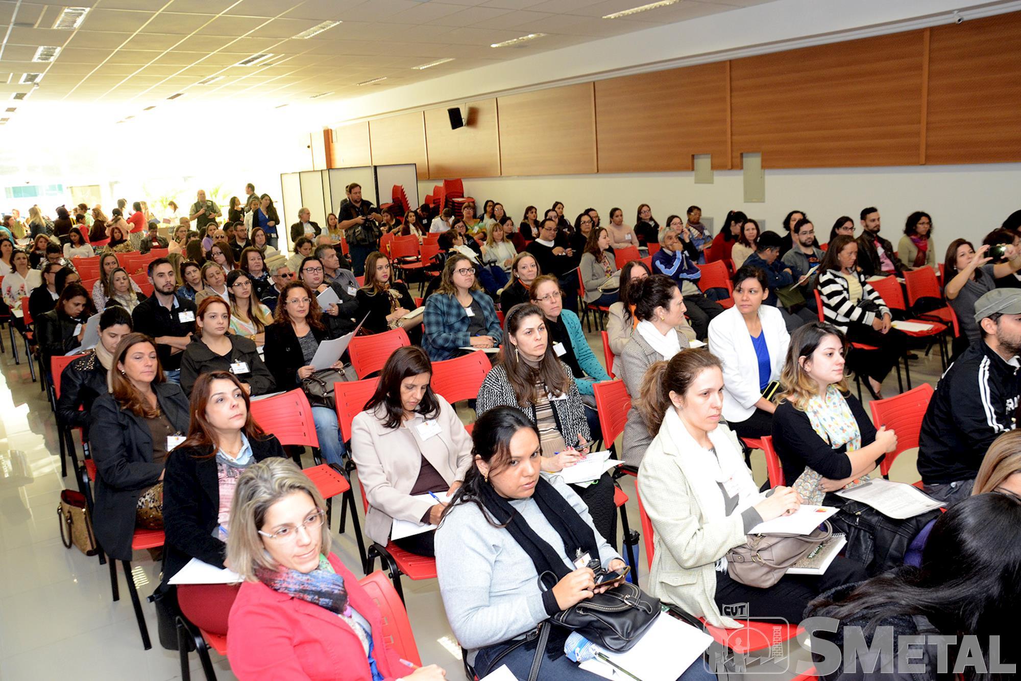 Conferência discute políticas para pessoas com deficiência