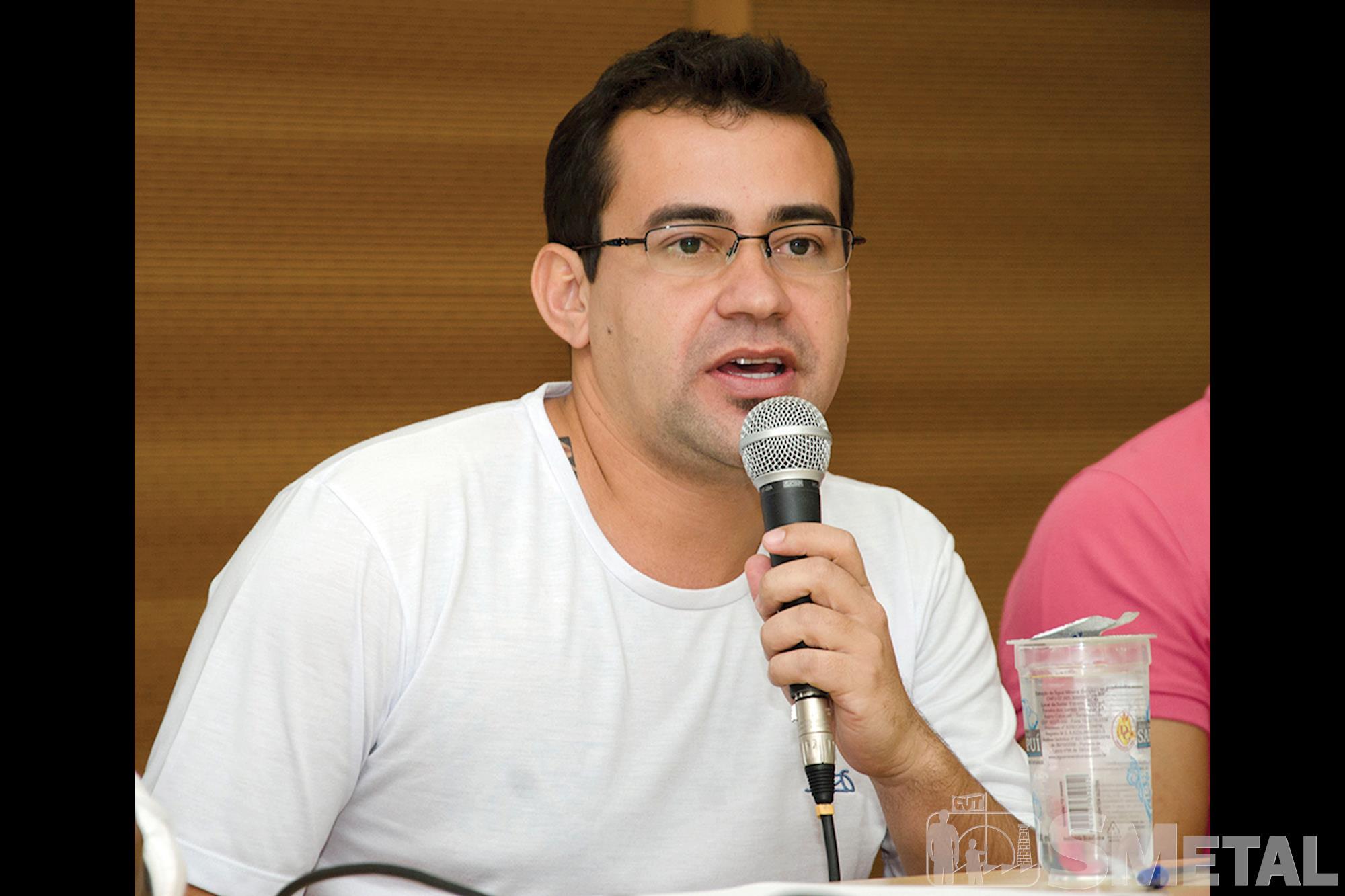 """Sílvio Ferreira Da Silva: """"O trabalhador tem todo o direito de satisfazer suas necessidades de lazer e consumo. O que se recomenda é consumir de forma, Economia doméstica em tempos de crise"""