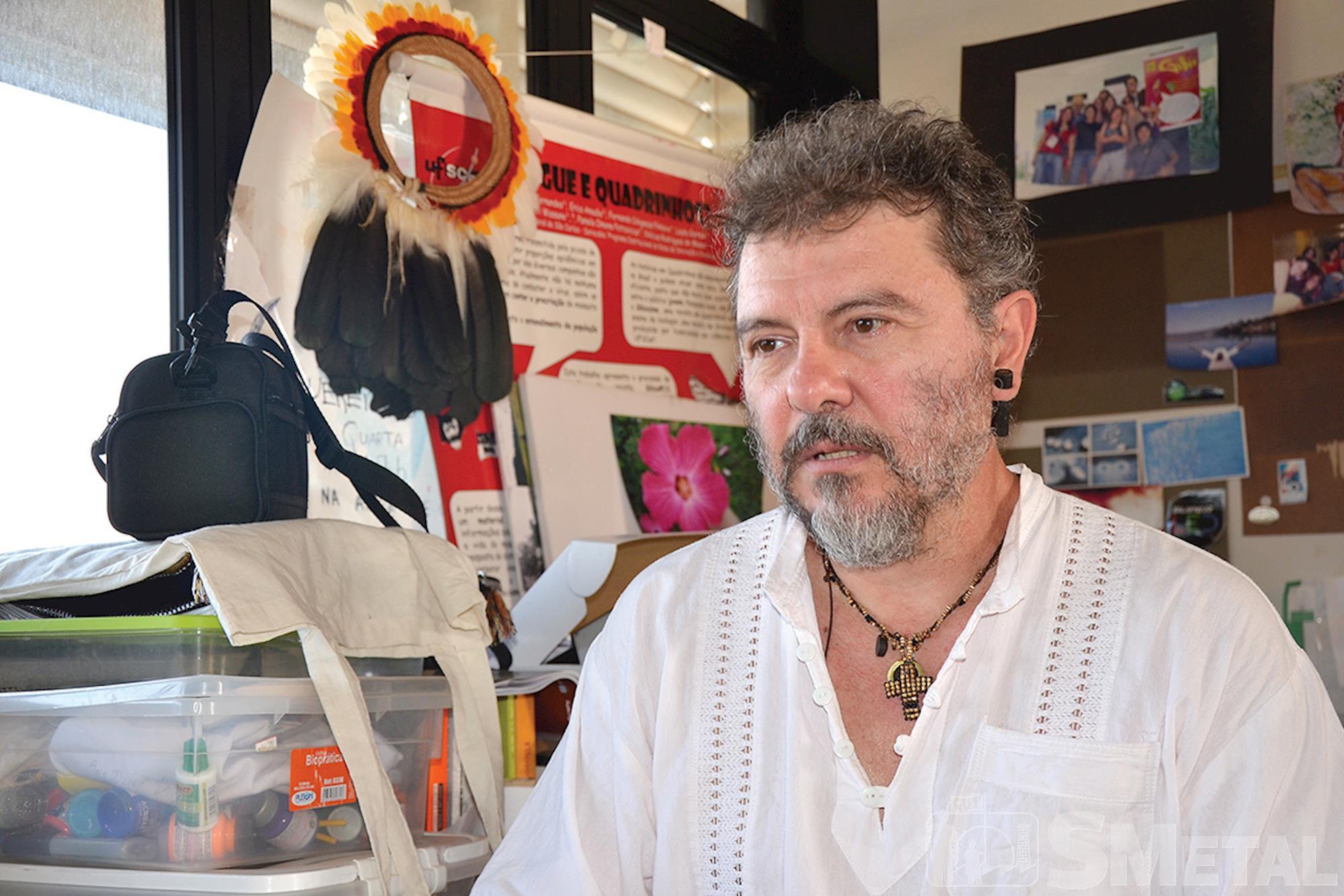 O professor Hylio Lagana afirma que o universo indígena continua desconhecido, Indígenas: Resistência e preservação cultural