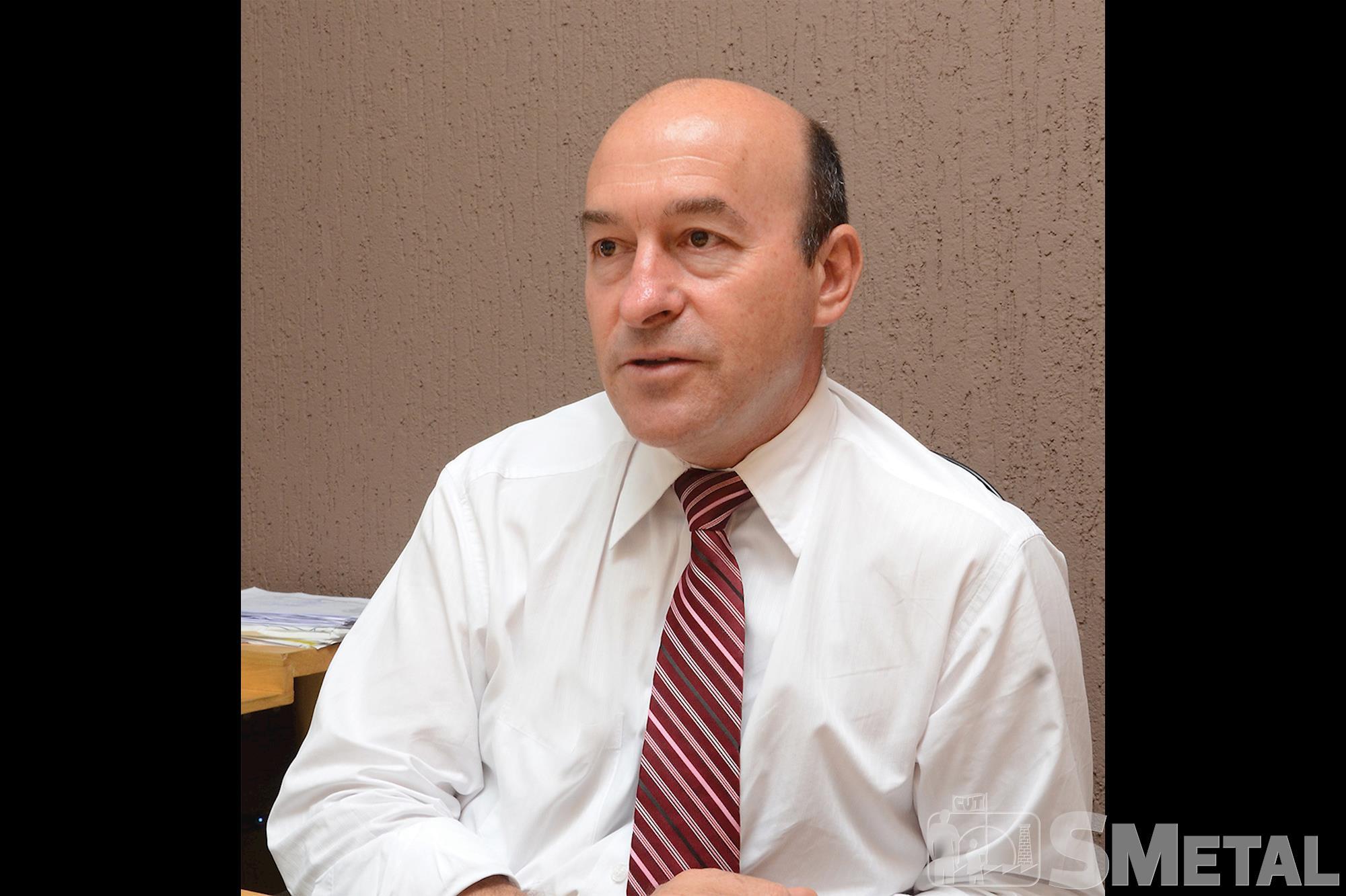 Advogado Claudinei Marchioli,  pós-graduado em Direito Constitucional, Conhecimento qualificado é a base da democracia