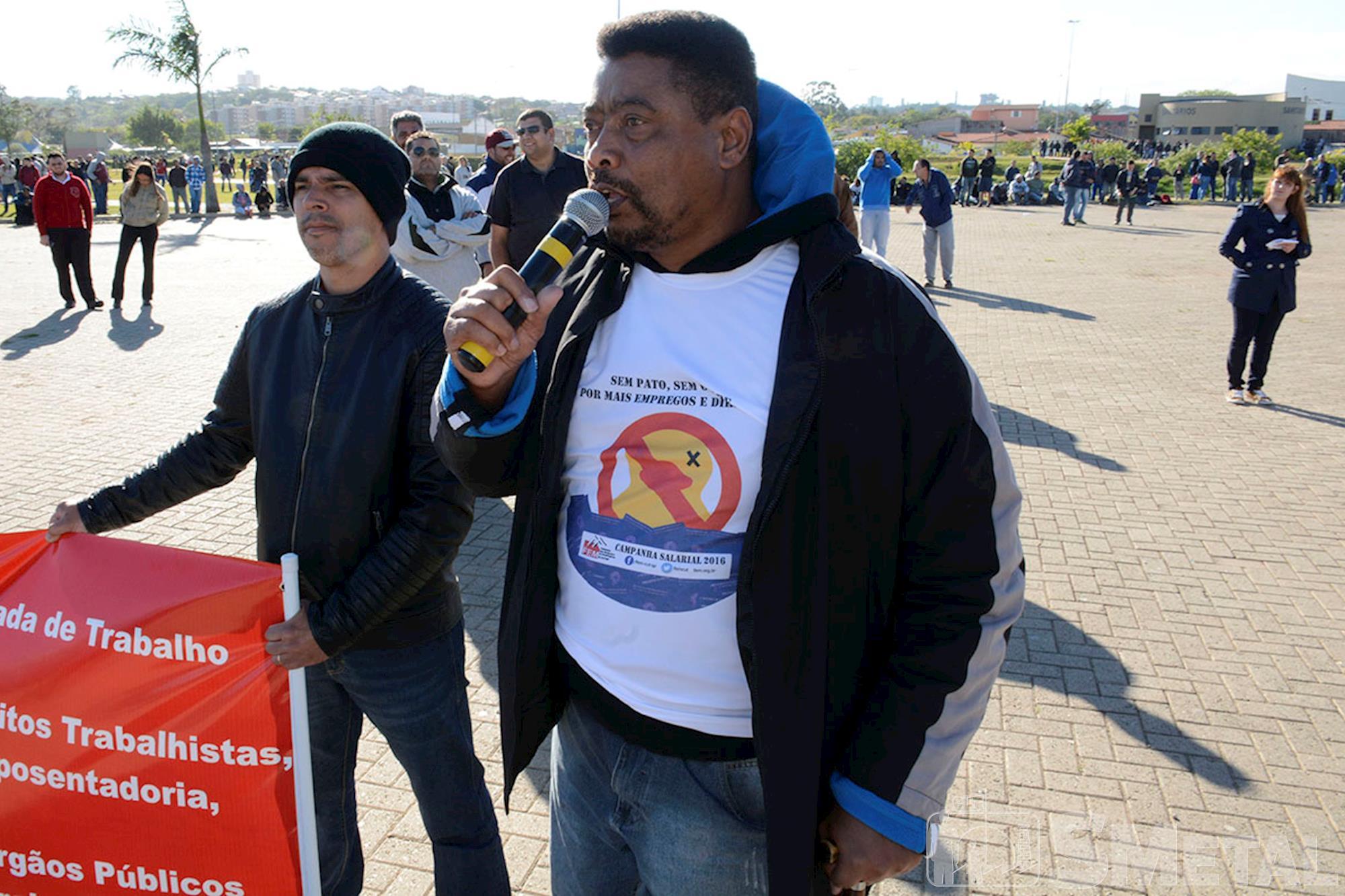 Trabalhadores protestam em defesa dos direitos e rumo à greve geral