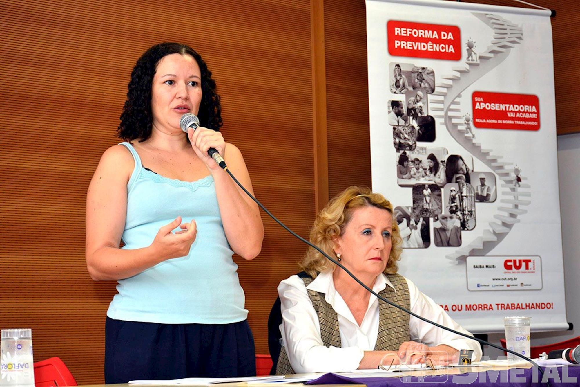 palestre,  reforma,  dieese,  adriana,  cut, Foguinho/Imprensa SMetal, Se reforma passar,  47% das mulheres não conseguirão de aposentar