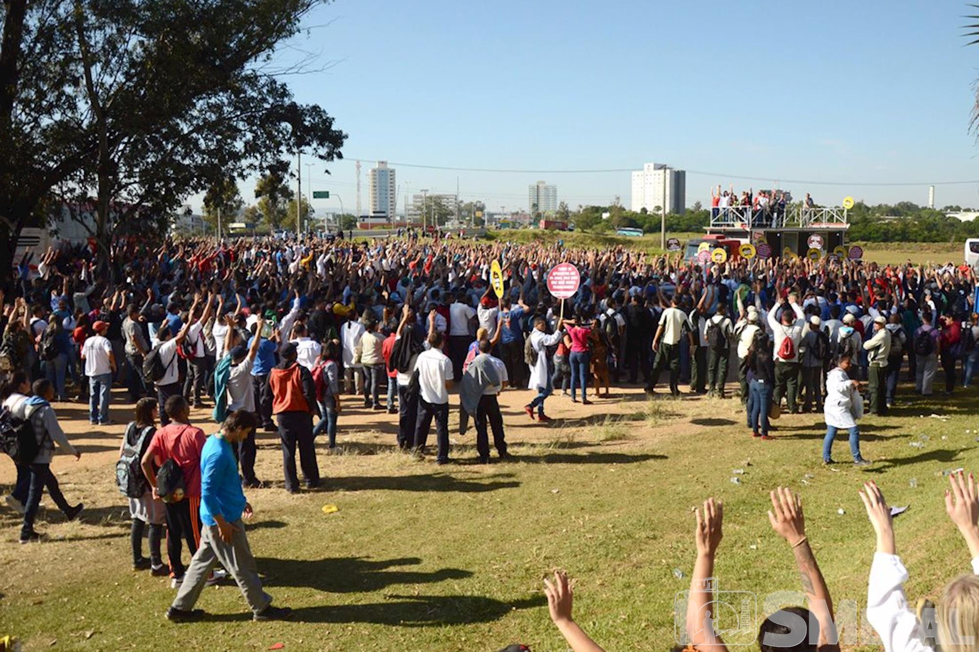 Metalúrgicos de Sorocaba aprovam greve geral contra reformas
