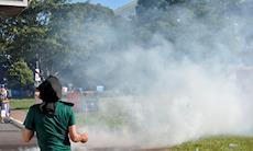 Temer e aliados recebem manifestantes em Brasília com balas e bombas