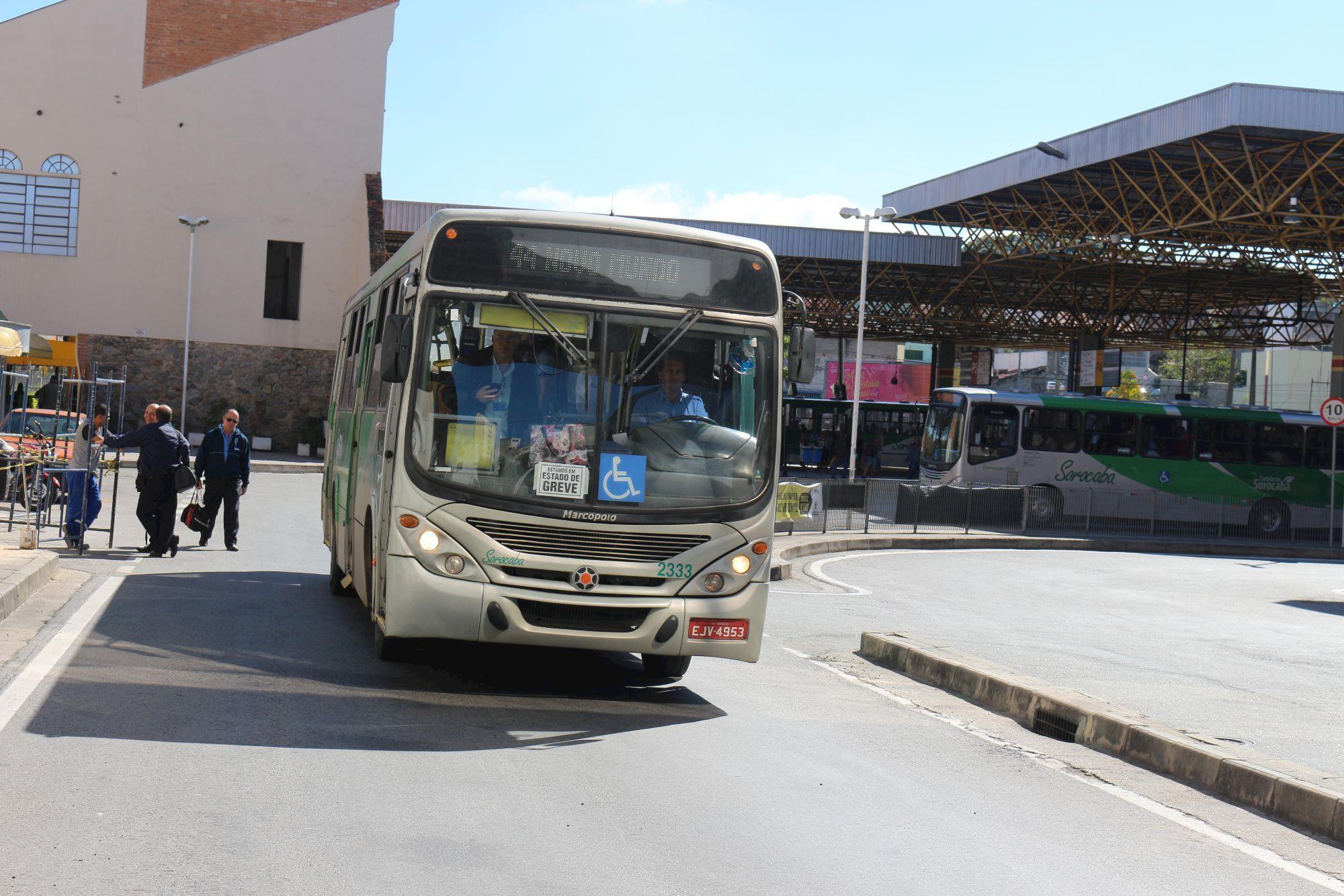 ônibus, greve, , Fabiana Caramez