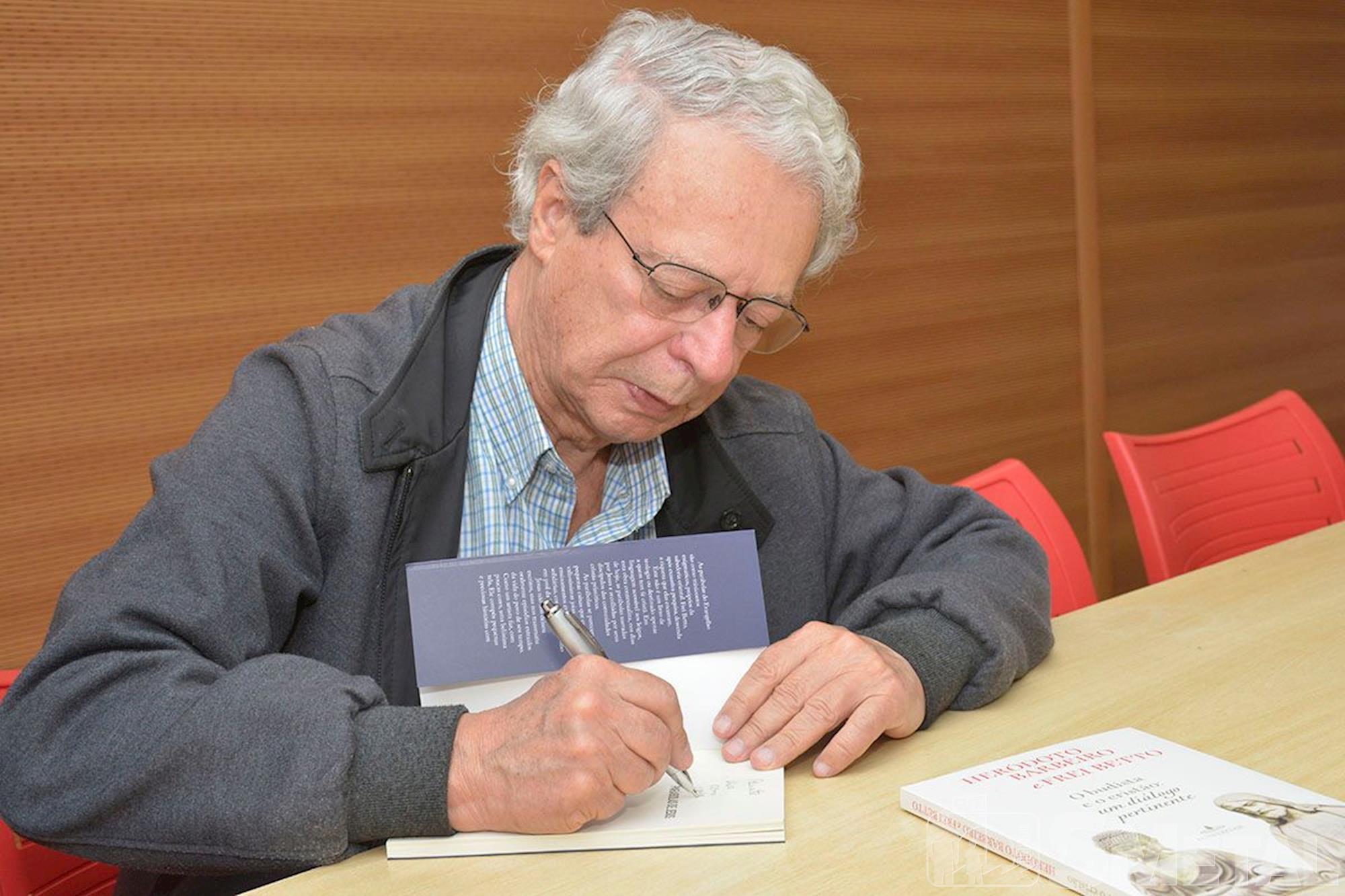 Frei Betto lança livros no SMetal, frei,  betto,  livro,  smetal,  lançamento, Foguinho/Imprensa SMetal, Frei Betto lança três novos livros na sede do SMetal