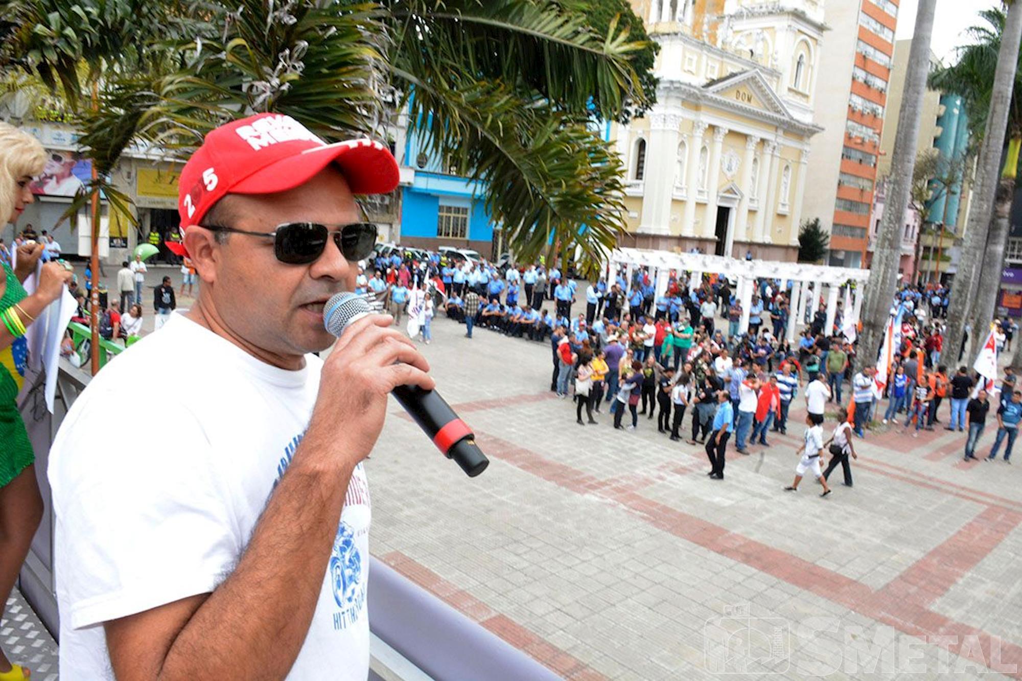 Dia de protestos e greve contra reformas, reforma, protesto, ato, frente, sorocaba,, Foguinho e Gabriela Guedes