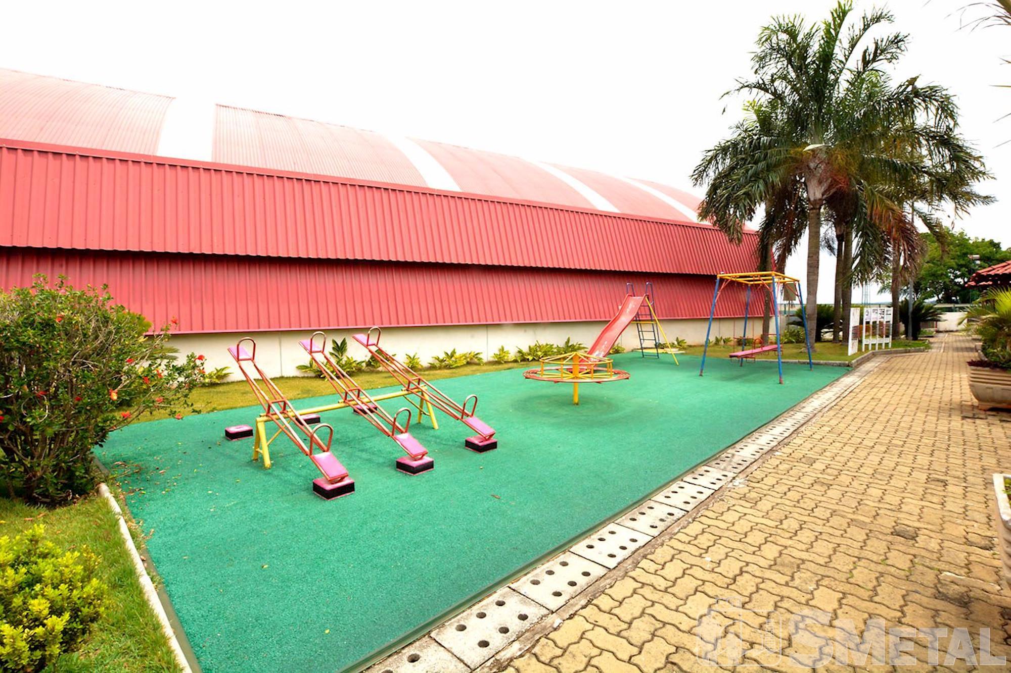 O parque para as crianças possui escorregador e balança., Foguinho/Imprensa SMetal