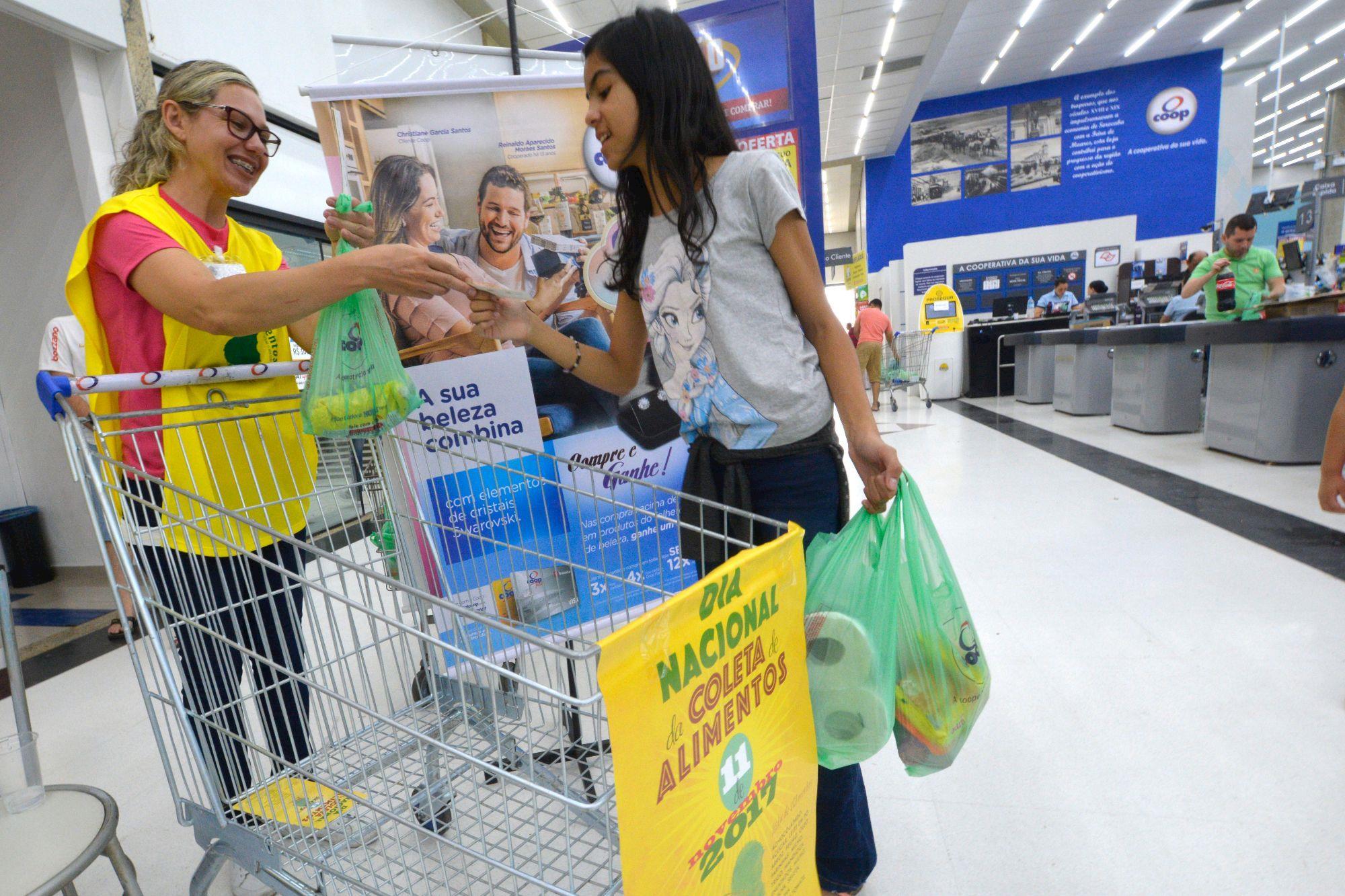 dia coleta, nacional, coop, supermercados, colombo, BAS, Foguinho/ Imprensa SMetal