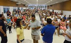 Mais de 300 pessoas participam do sorteio para a Colônia