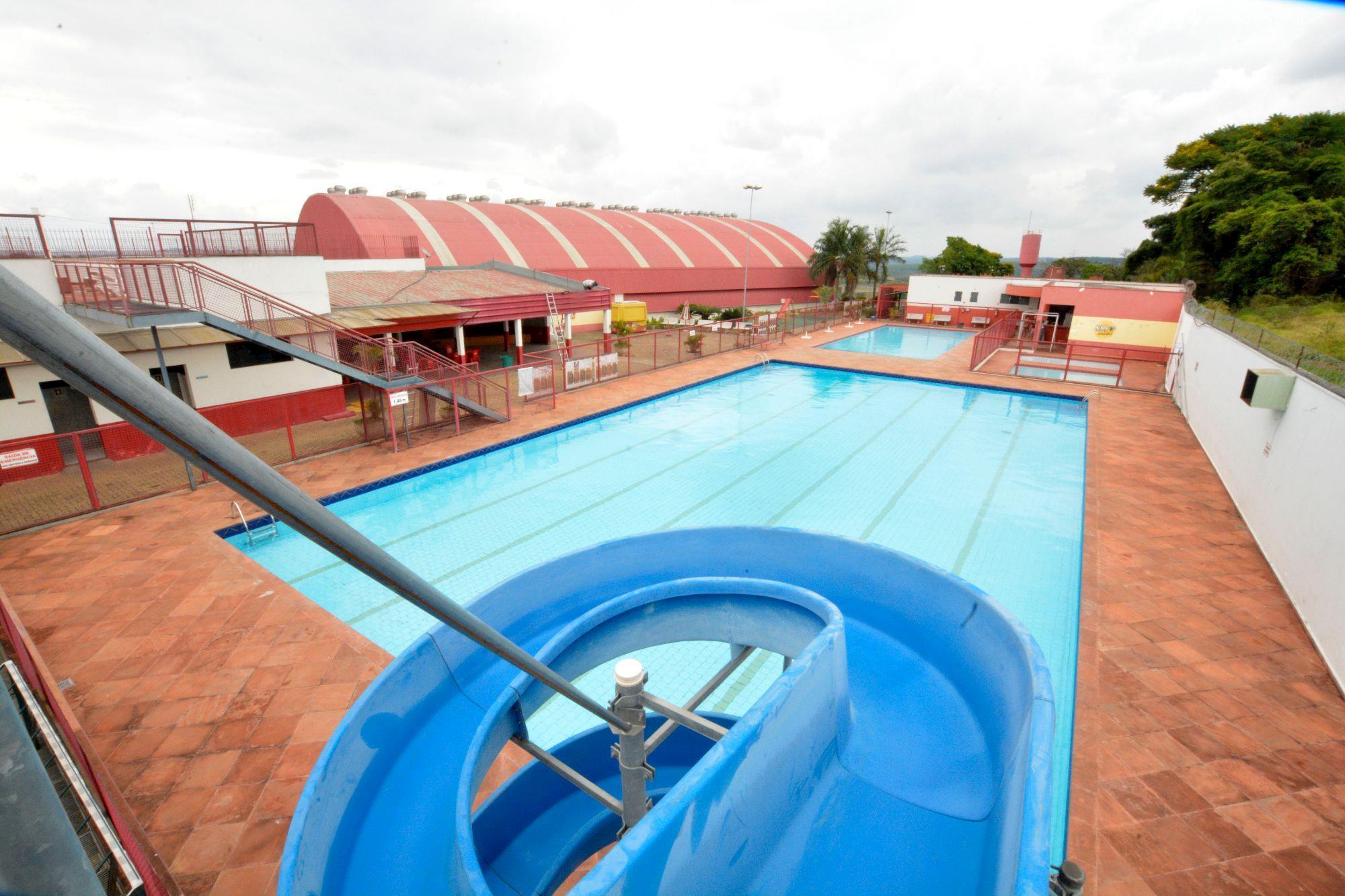 piscinas, clube, campo, férias, Foguinho / Imprensa SMetal