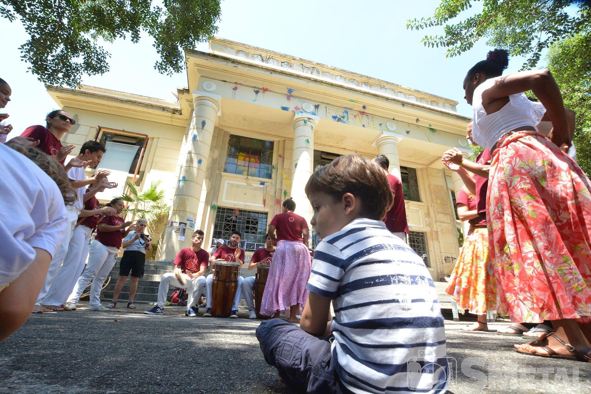 Protesto reacende a memória dos festivais e a efervescência cultural