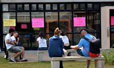 Estudantes protestam contra aumento de 122% no valor da refeição