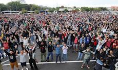 Greve paralisa 8 mil trabalhadores da Mercedes-Benz em São Bernardo