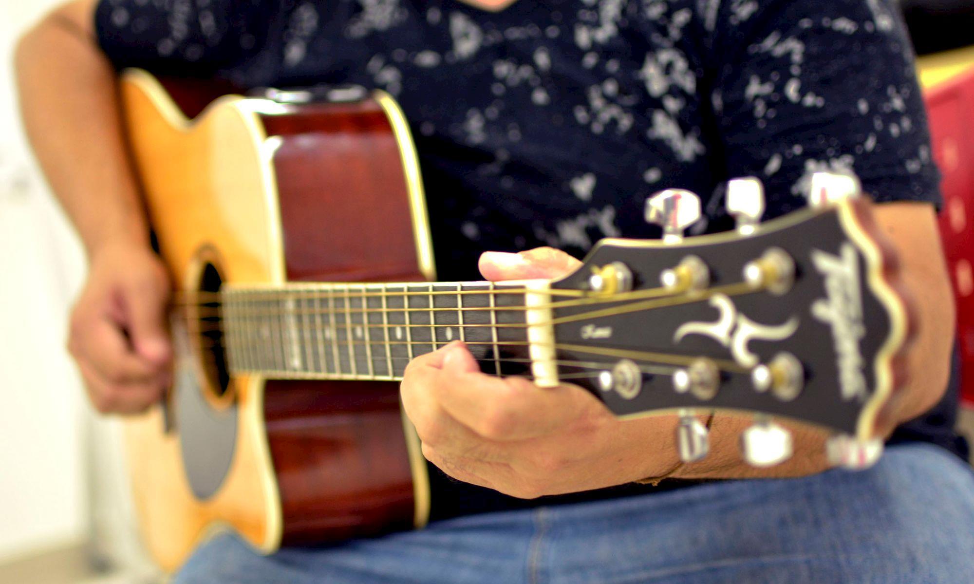violão, música, rolando,, Foguinho/Imprensa