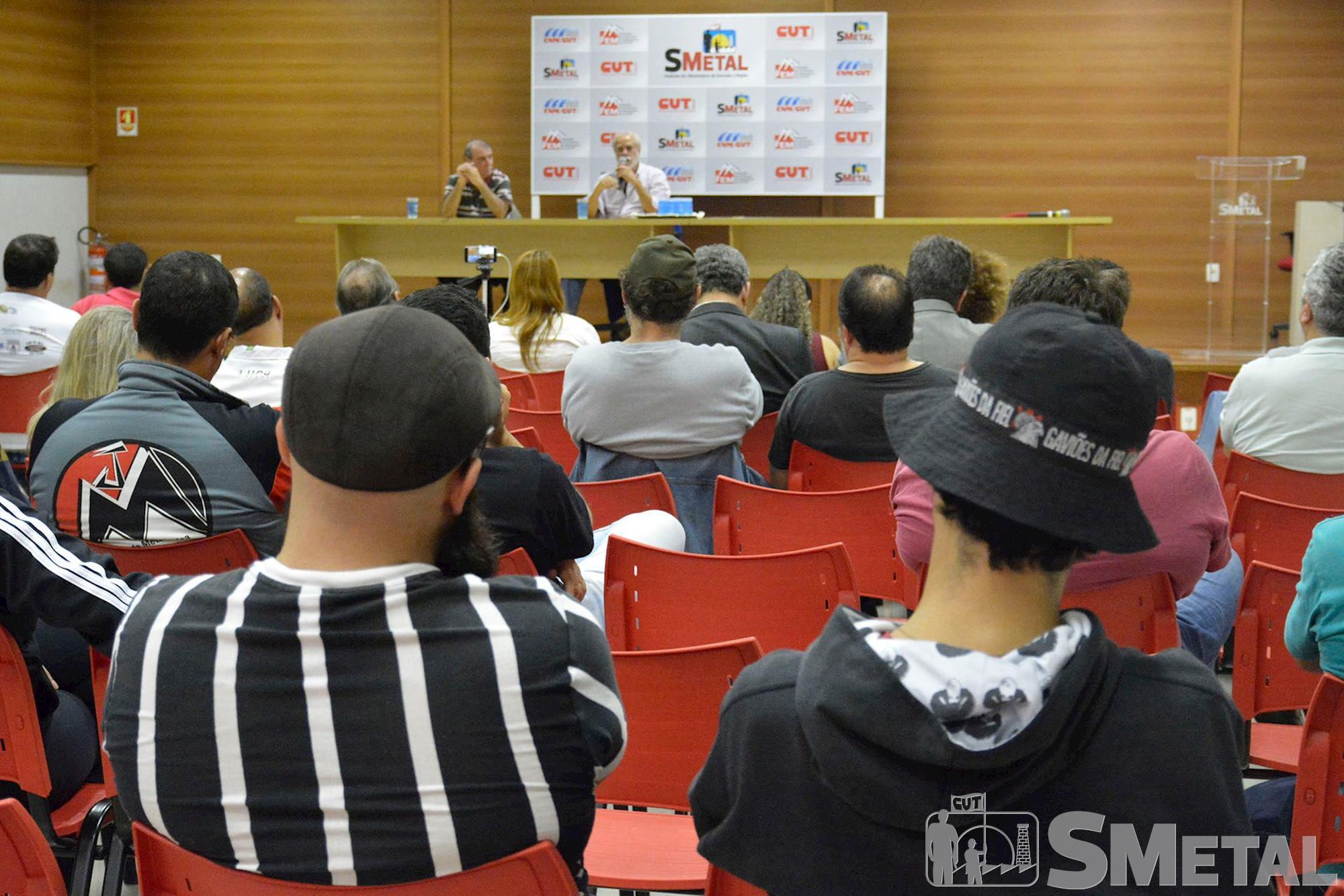 futebol,  democracia,  formação,  smetal,  palestra, Foguinho/Imprensa SMetal, Evento com Nando e Afonsinho debate futebol arte e de resistência