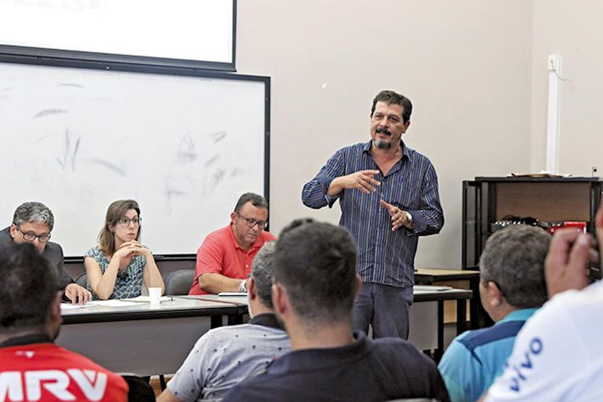 , Adonis Guerra