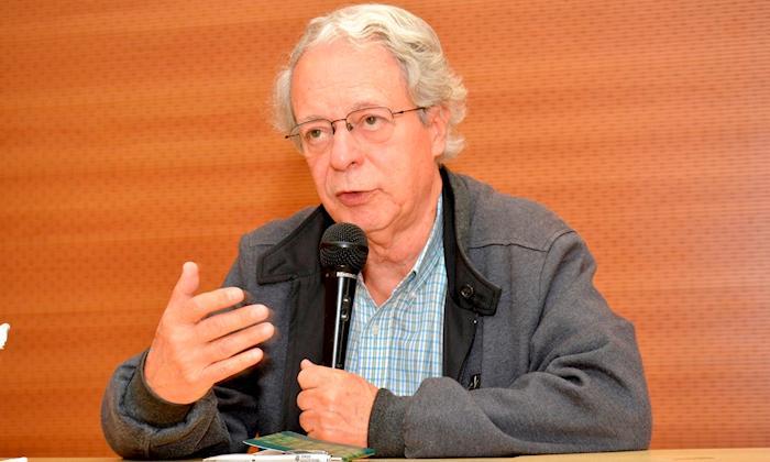 """""""Vivemos sob a égide de gigantescas fake news"""", afirma Frei Betto"""