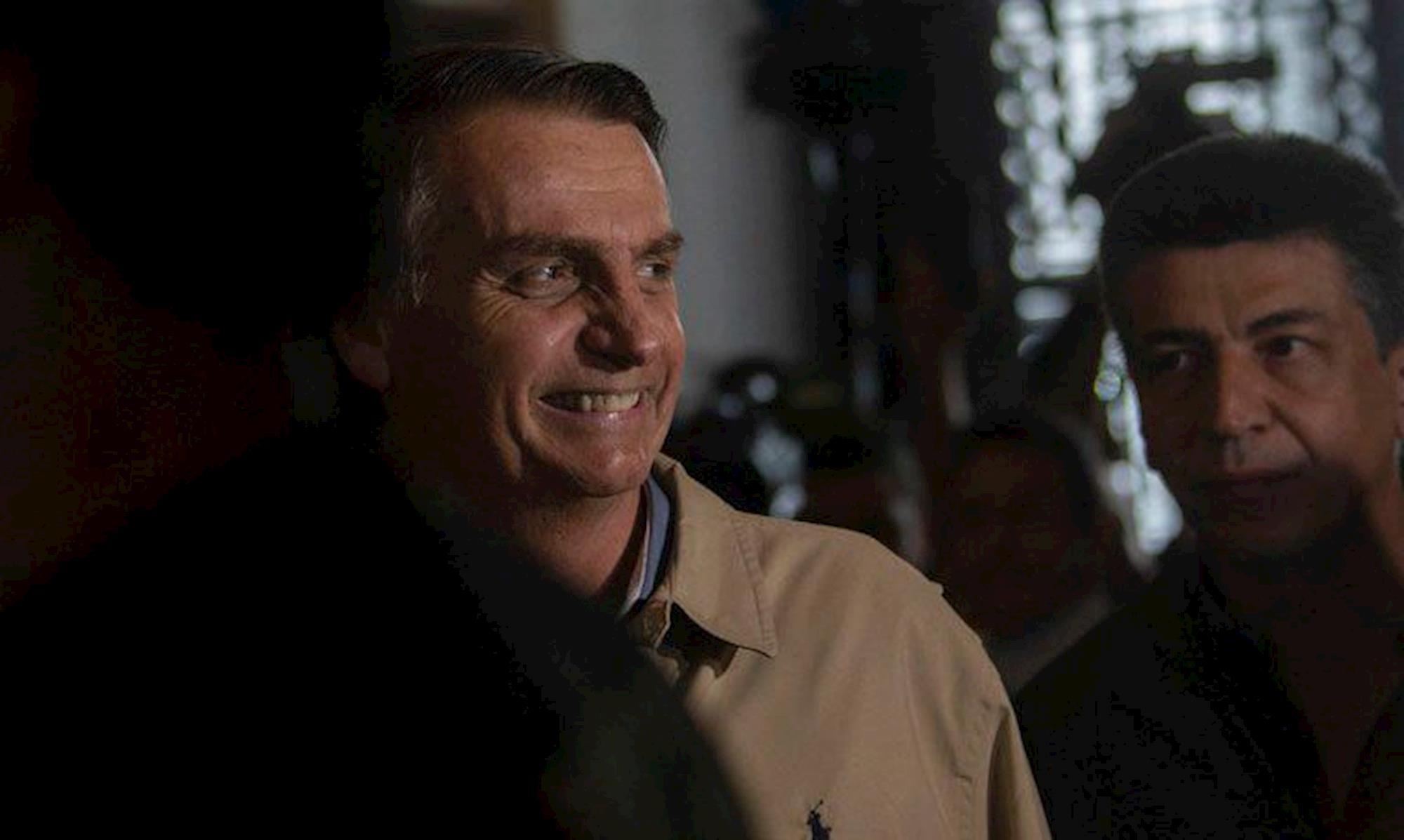 bolsonaro, whatsapp, Mauro Pimentel / AFP