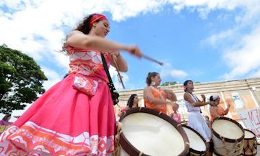 Baque Mulher: nos batuques da cultura ancestral afro-brasileira