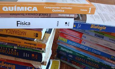 Governo permitirá materiais escolares sem referência bibliográfica