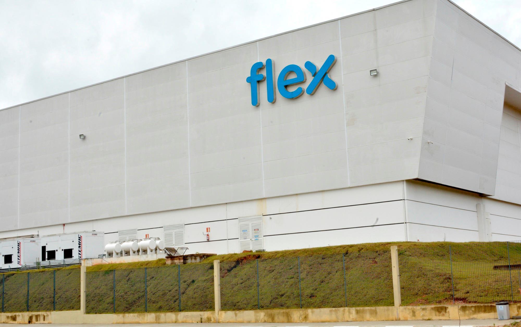 Flex demite e SMetal encontra erros em homologações dos trabalhadores