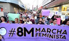 FOTOS: Mulheres de Sorocaba marcham contra a violência e o machismo