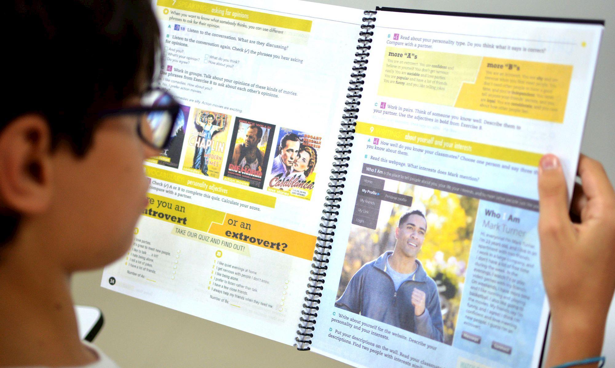 ingles, neway, escola, smetal, livro, Foguinho/Imprensa SMetal