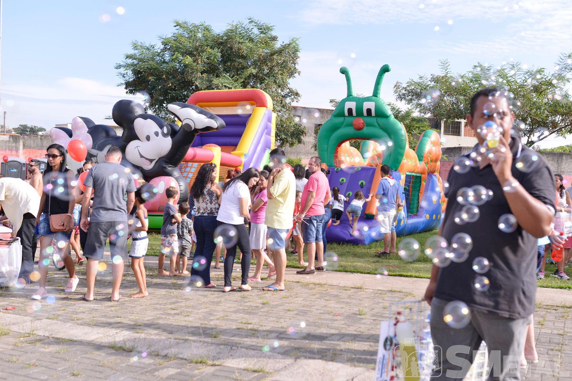 Mais de 15 mil pessoas,  de todas as idades e estilos,  compareceram ao Parque dos Espanhóis no evento de 1º de Maio dos Metalúrgicos de Sorocaba, maio,  espanhois,  sorocaba,  trabalhador,  smetal,  parque, Foguinho / Renata Rocha / Cássio Freire /