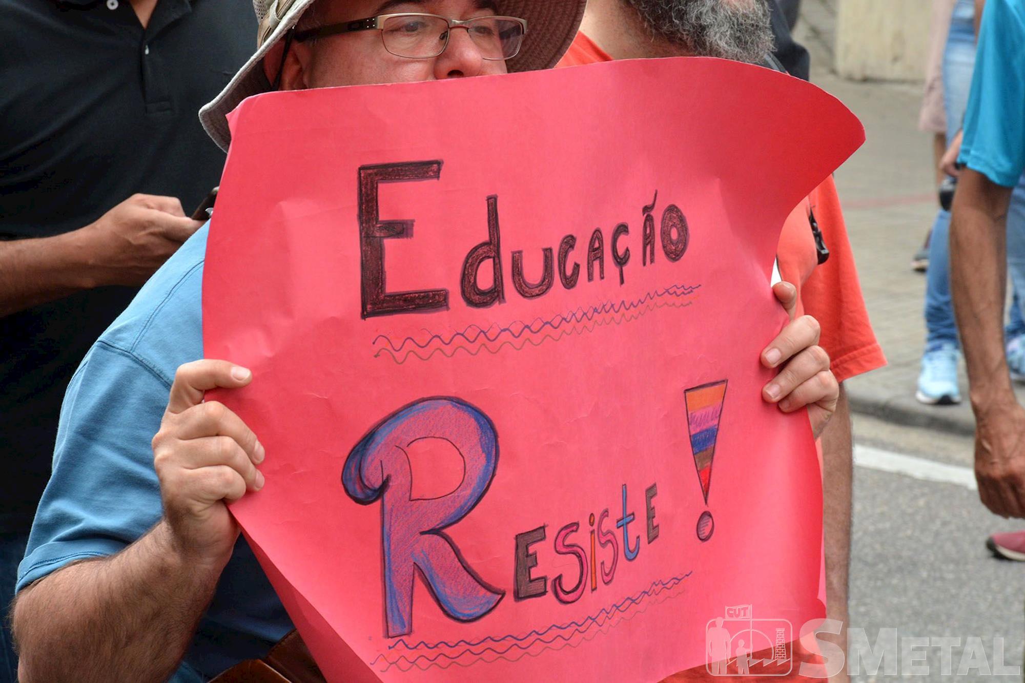 2º grande ato em defesa da Educação e da Aposentadoria em Sorocaba, educação,  aposentadoria,  protesto,  tsunami,  estudante,  juventude,  professor,  manifestação, Foguinho/Imprensa SMetal, 2º ato em defesa da Educação e da Aposentadoria em Sorocab