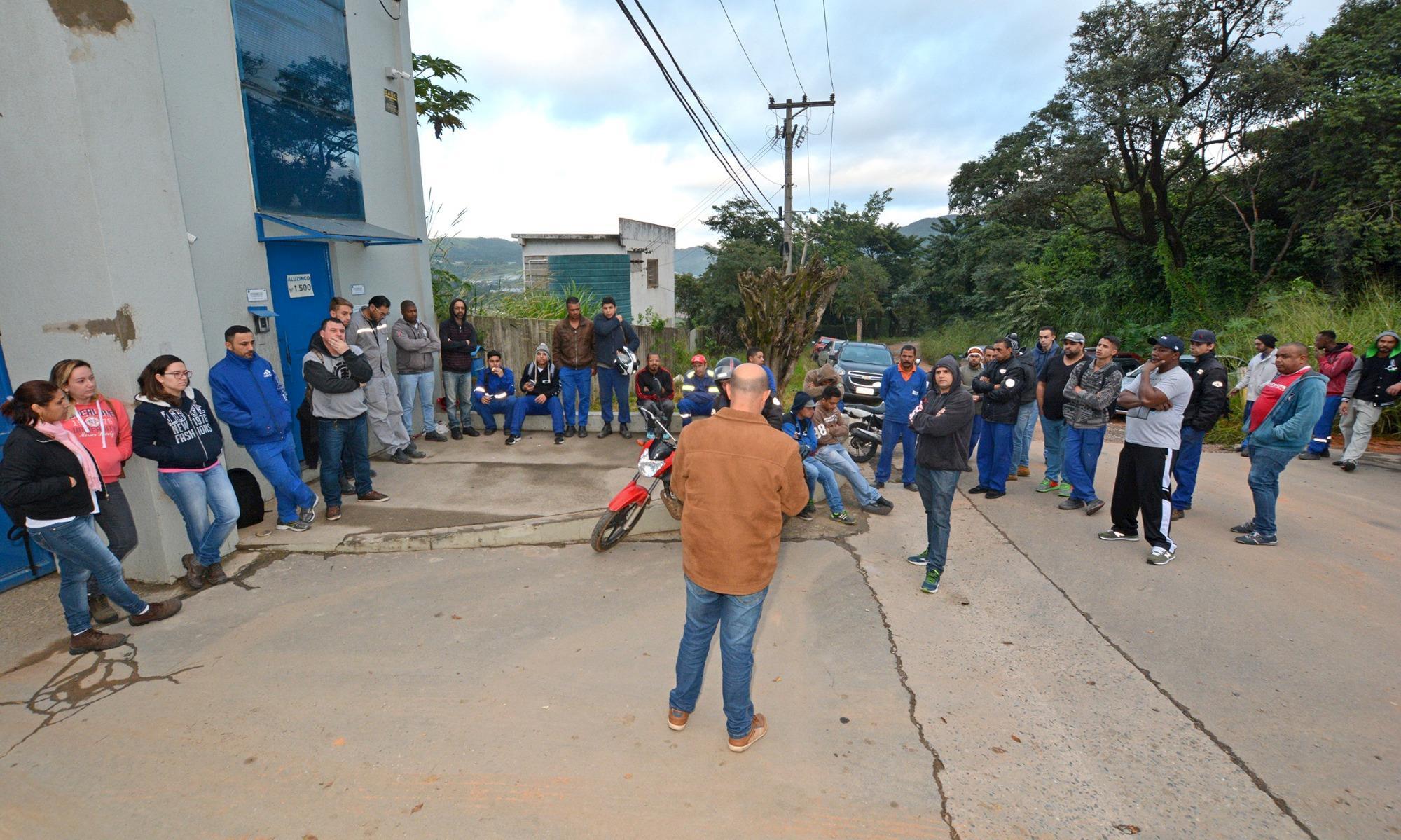 ARAÇARIGUAMA: Trabalhadores da Aluzinco conquistam PPR e cesta básica
