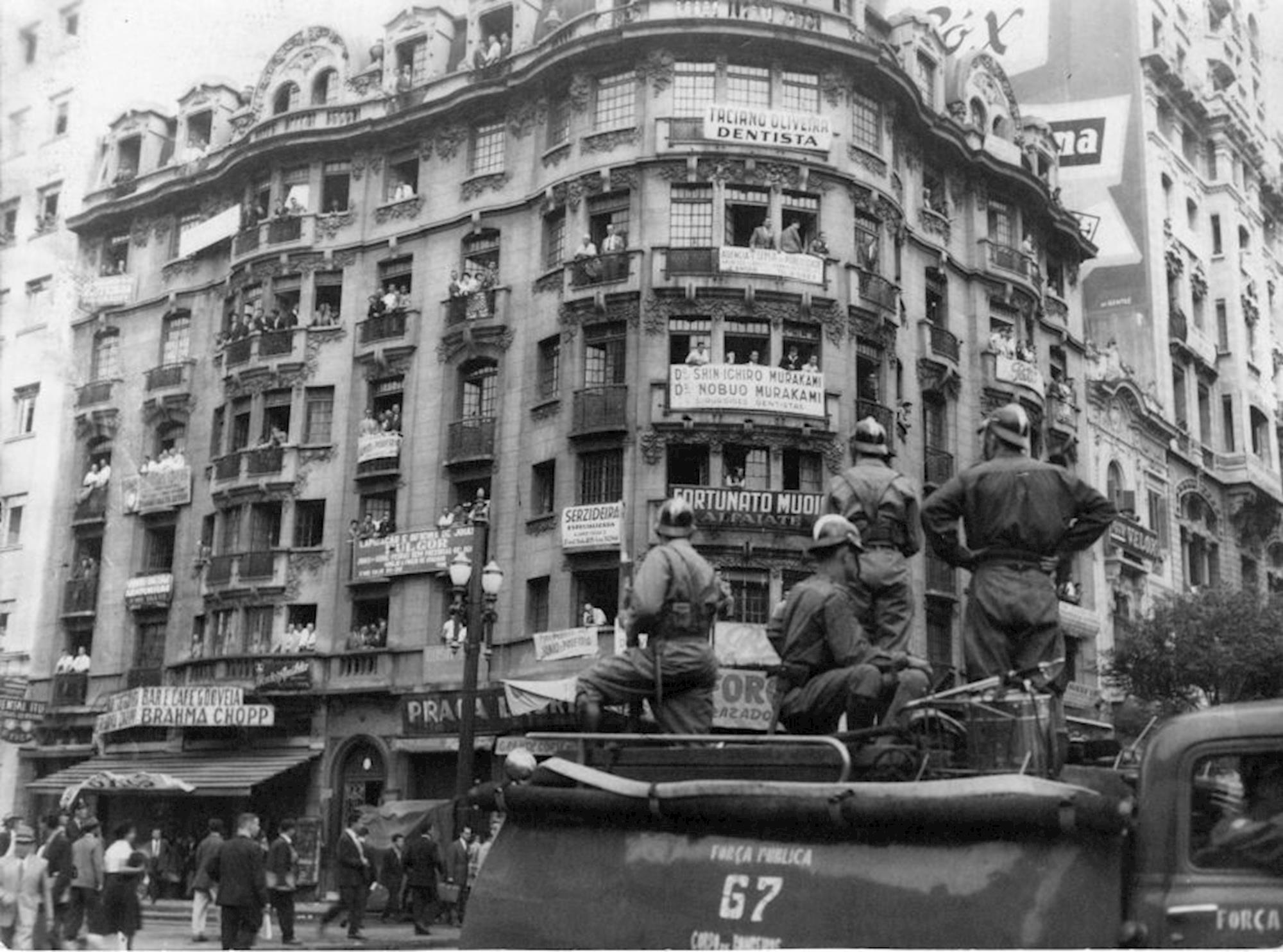 greve, 300 mil, história,, Divulgação