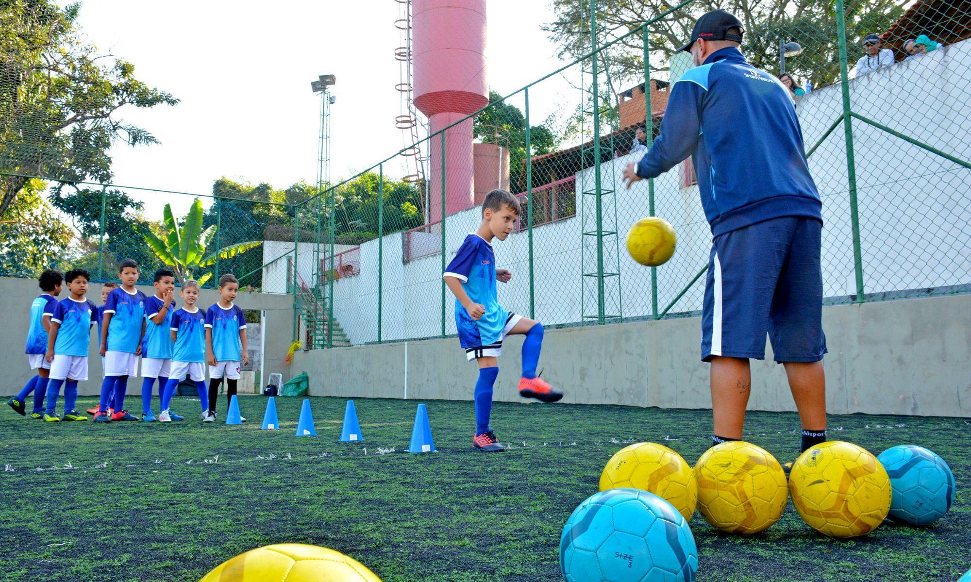tremonti, aula, escolinha, sao bento, futebol, smetal, Foguinho/Imprensa SMetal