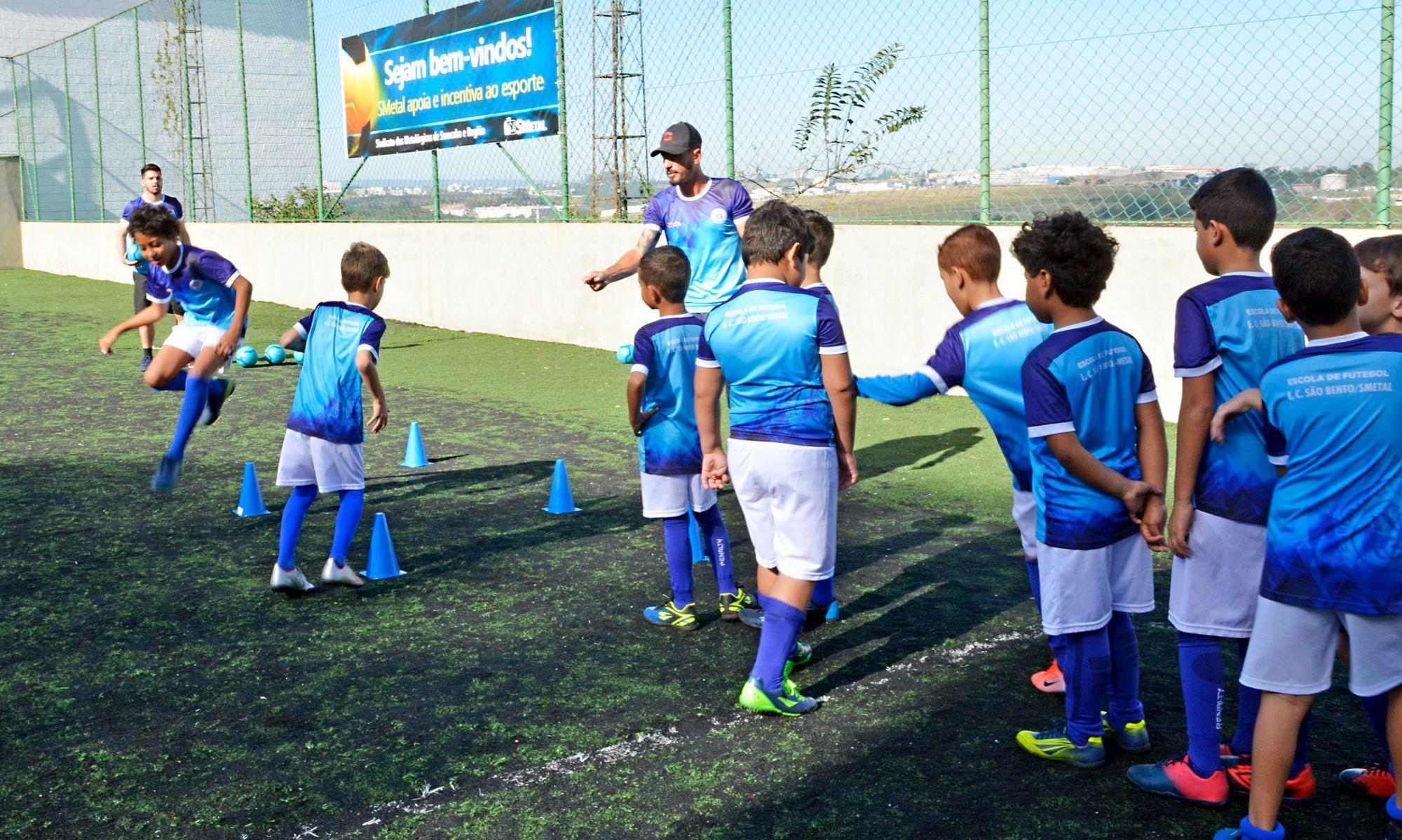 escolinha, smetal, são bento, azulão, futebol, tremonti,, Foguinho/Imprensa SMetal