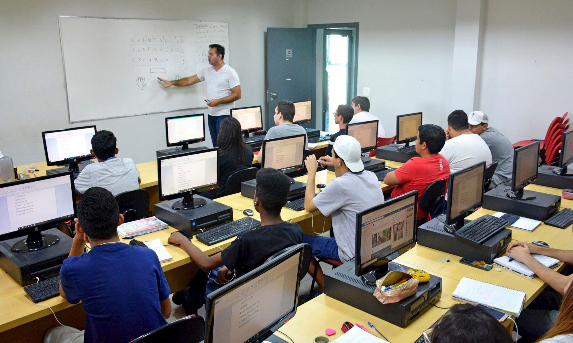 smetal, rise, curso, qualificação, gratuito, aula,, Foguinho/Imprensa SMetal