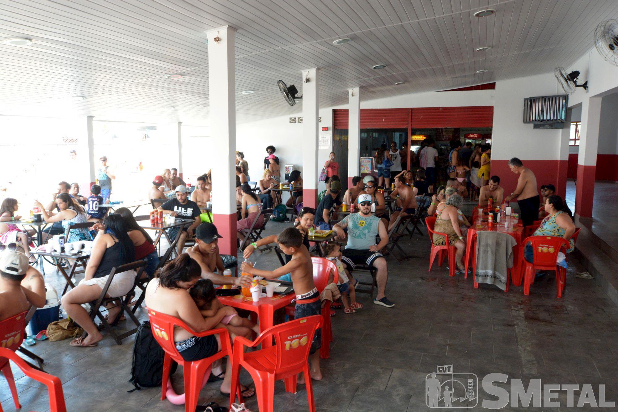 Reabertura das piscinas do Clube de Campo do SMetal, clube,  piscina,  semana,  fotos,  campo,  reabertura, Foguinho / Imprensa SMetal, Calor e música ao vivo marcam a reabertura das piscinas