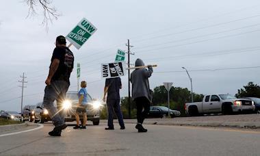 Trabalhadores da General Motors nos EUA estão em greve há um mês