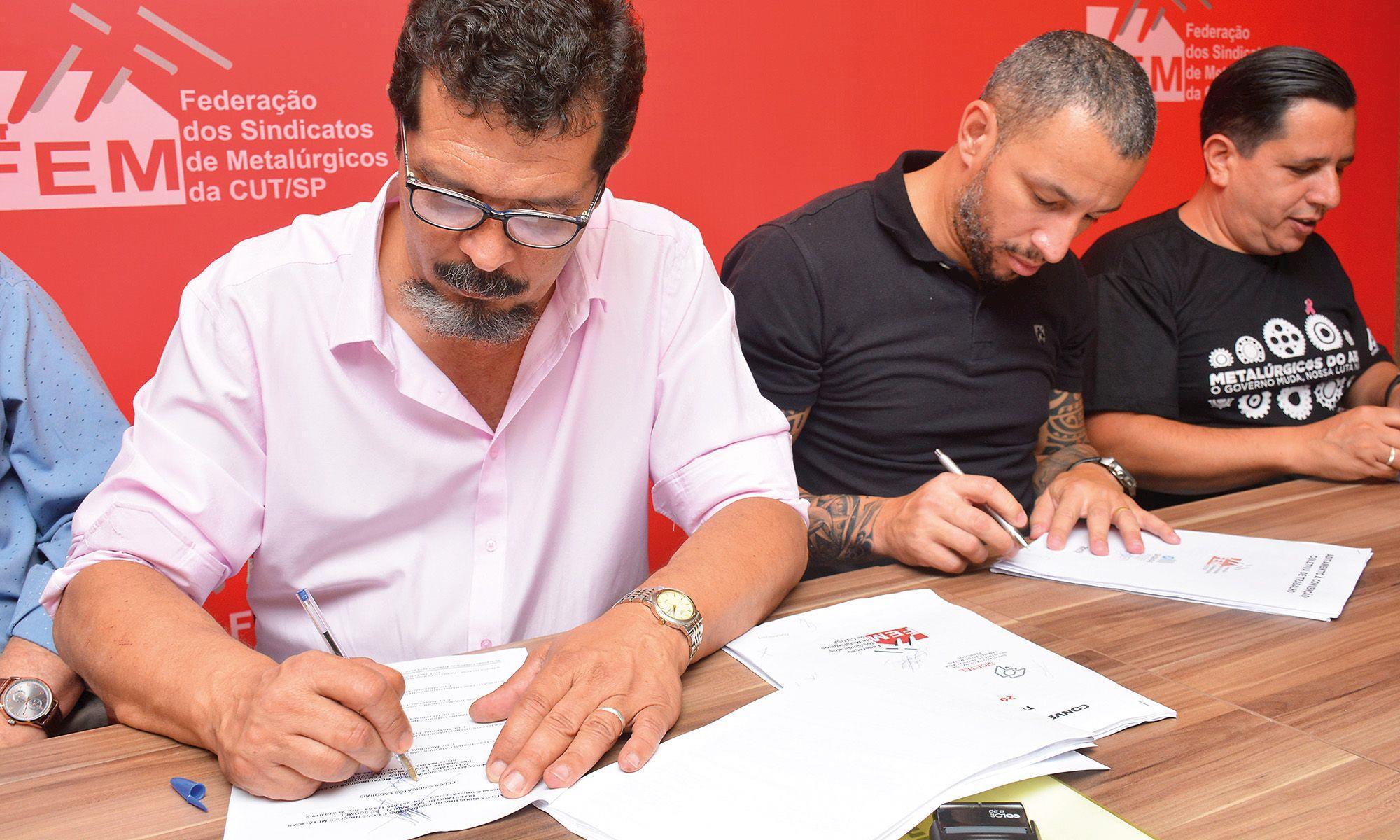 luizão, fem, cut, cct, convenção, assinatura,, Foguinho/Imprensa SMetal